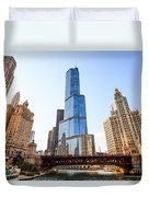 Chicago Trump Tower At Michigan Avenue Bridge Duvet Cover by Paul Velgos