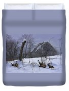 Home Through The Snow Duvet Cover by Ron Jones