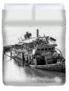 Mary D Hume Shipwreck - Rogue River Oregon Duvet Cover by Gary Whitton
