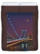 Moon Rise Over The George Washington Bridge Duvet Cover by Susan Candelario