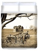 Old Wagon And Homestead II Duvet Cover by Athena Mckinzie
