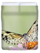 Paper Kite Butterfly On Zinnia Duvet Cover by Oscar Gutierrez