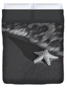 Starfish On The Beach Bw Duvet Cover by Susan Candelario