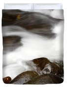 Stream flowing  Duvet Cover by Les Cunliffe