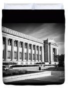 The Field Museum In Chicago In Black And White Duvet Cover by Paul Velgos