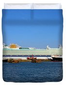 Ventura Sheildhall Calshot Spit And A Tug Duvet Cover by Terri Waters