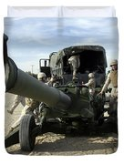 Cannoneers Train With The M777 Duvet Cover by Stocktrek Images