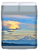 Lenticular Cloud And Mount Rainier Duvet Cover by Sean Griffin