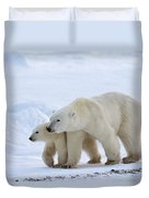 Polar Bear Ursus Maritimus And Cub Duvet Cover by Suzi Eszterhas