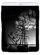 Sails In The Sunset Duvet Cover by Hakon Soreide