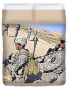 U.s. Army Soldiers Call In An Update Duvet Cover by Stocktrek Images