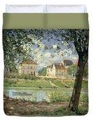 Villeneuve La Garenne Duvet Cover by Alfred Sisley
