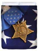 The Medal Of Honor Rests On A Flag Duvet Cover by Stocktrek Images