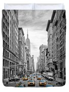5th Avenue Yellow Cabs - Nyc Duvet Cover by Melanie Viola