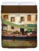 il mercato galleggiante a Venezia Duvet Cover by Guido Borelli