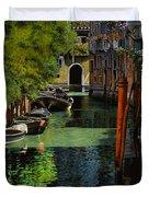 il palo rosso a Venezia Duvet Cover by Guido Borelli