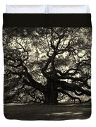 Last Angel Oak 72 Duvet Cover by Susanne Van Hulst