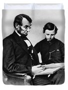 Lincoln Reading To His Son Duvet Cover by Photo Researchers