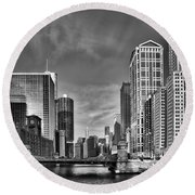 Chicago River In Black And White Round Beach Towel by Sebastian Musial