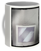 Old Television Coffee Mug by Les Cunliffe