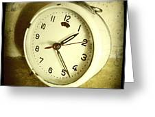 Vintage Clock Greeting Card by Les Cunliffe