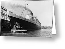 Rms Queen Elizabeth Greeting Card by Dick Hanley and Photo Researchers