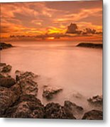 Honolulu Sunset Metal Print by Tin Lung Chao
