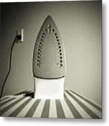 Iron Metal Print by Les Cunliffe