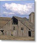 The Lewiston Breaks Barn Metal Print by Doug Davidson