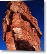 Balanced Rock At Garden Of The Gods With Moon Metal Print by John Hoffman