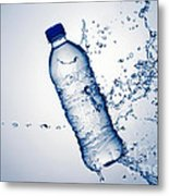 Bottle Water And Splash Metal Print by Johan Swanepoel