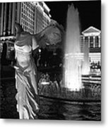 Caesars Fountain Bw Metal Print by Jenny Hudson