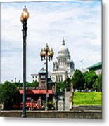 Capitol Building Seen From Waterplace Park Metal Print by Susan Savad