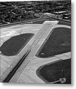 Chicago Airplanes 04 Black And White Metal Print by Thomas Woolworth