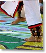 Dancing Feet Metal Print by Henrik Lehnerer