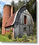 Gambrel-roofed Barn Metal Print by Paul Mashburn