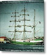 Green Sail Metal Print by Perry Webster