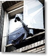 Hanging Out Metal Print by Ian Wilson