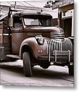 In The Alley Metal Print by Ken Smith