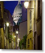 Montmartre Street And Sacre Coeur Metal Print by Inge Johnsson