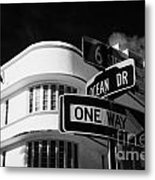Ocean Drive And 6th Street In The Art Deco District Of Miami South Beach Florida Usa Metal Print by Joe Fox