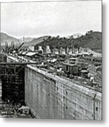 Panama Canal Construction 1910 Metal Print by Photo Researchers