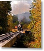 Train Through The Valley Metal Print by Robert Frederick
