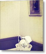 Victorian Wash Basin And Jug Metal Print by Amanda And Christopher Elwell