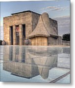Wwi Museum  Metal Print by Lisa Plymell