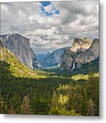 Yosemite Valley Metal Print by Sarit Sotangkur