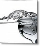 Light Bulb And Splash Water Metal Print by Setsiri Silapasuwanchai