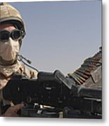 A British Army Soldier Mans A Machine Metal Print by Andrew Chittock