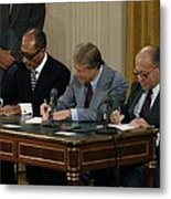Anwar Sadat Jimmy Carter And Menahem Metal Print by Everett
