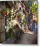Bike - Ny - Greenwich Village - The Green District Metal Print by Mike Savad